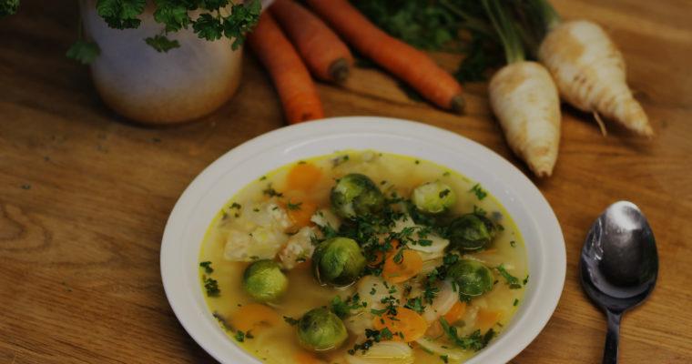 Zeleninová polévka s růžičkovou kapustičkou